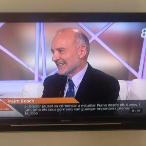 """Entrevista por Josep Cuní en 8TV """"Música y nostalgia"""", 5 diciembre 2014"""